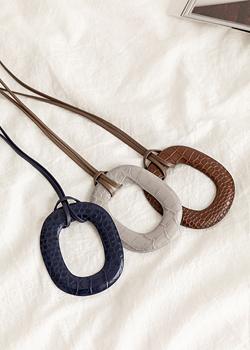 Cowhide ellipse Necklace JA04012